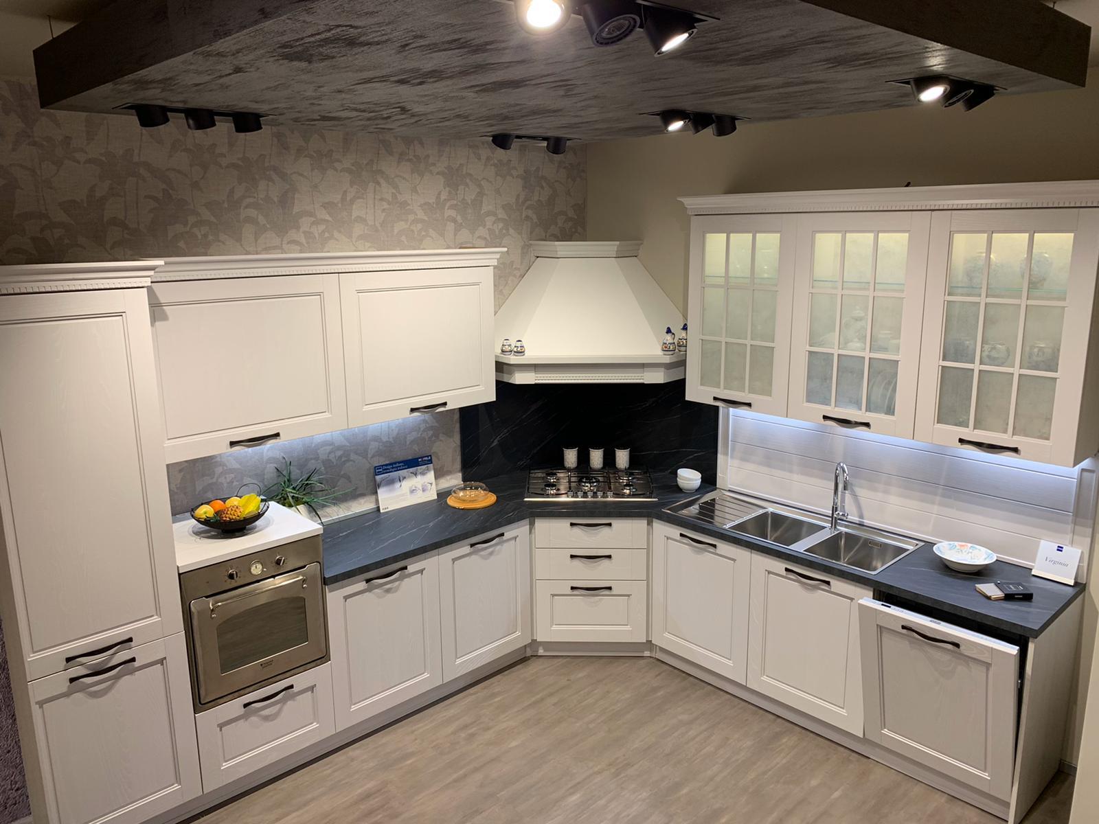 Per rinnovo di spazi espositivi, vi proponiamo alcune cucine Stosa scontate del 40 %. VENDUTE